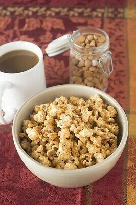 Generic 5.5-qt Popcorn Maker Silicone-Rimmed Lid